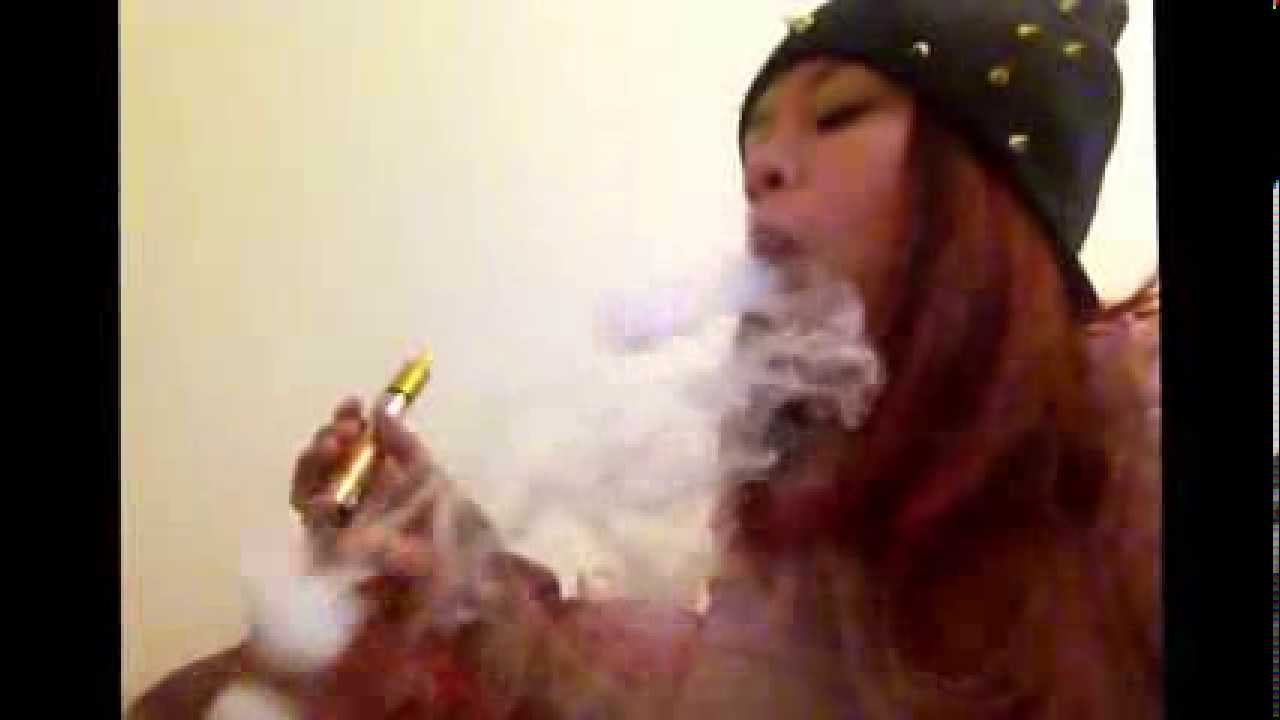 Smoke rings with vape pen